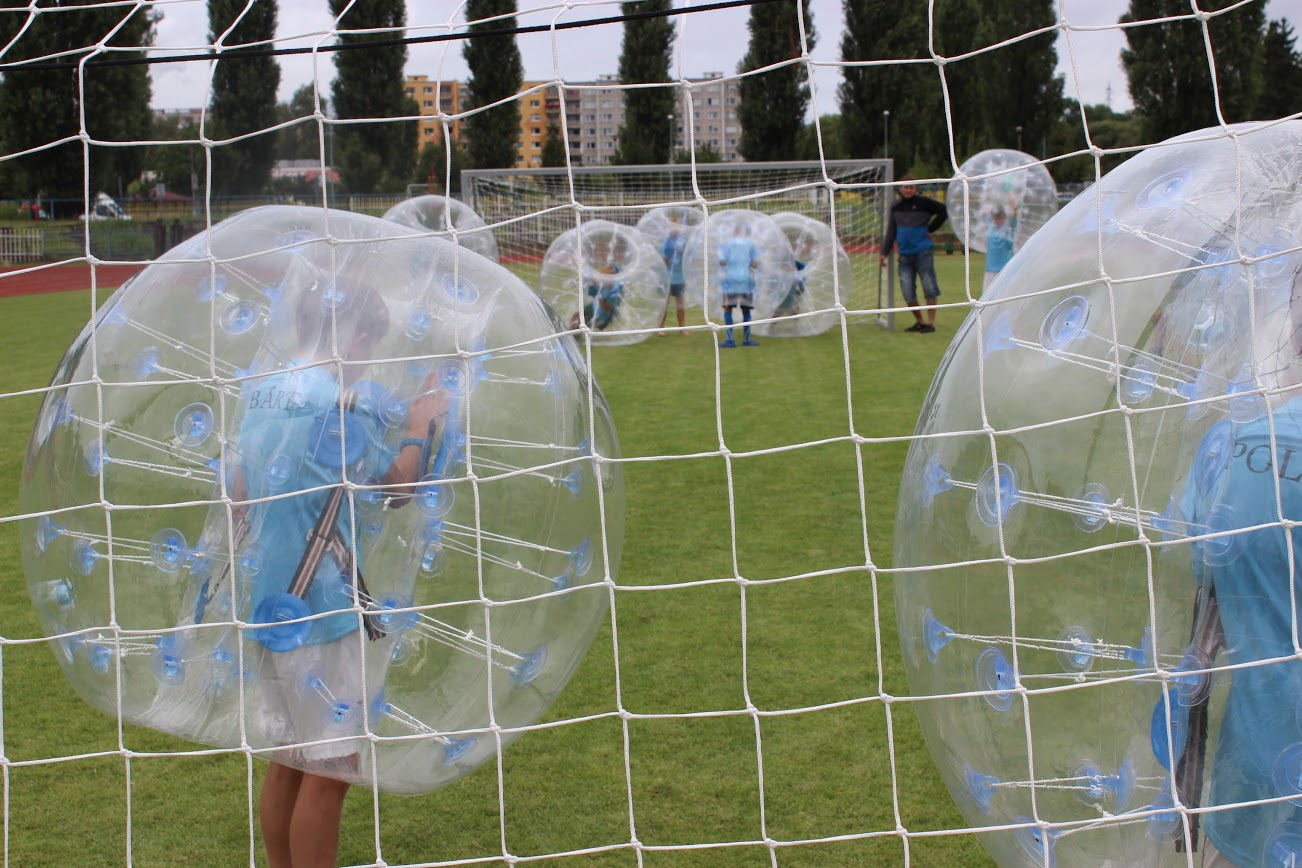 Fotbal v koulích